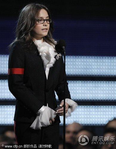 第52届格莱美MJ获终身成就奖 长子长女上台代领