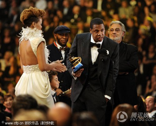 Jay-Z、蕾哈娜夺第52届格莱美最佳说唱合作大奖