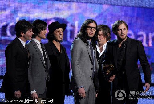 摇滚乐队Kings of Leon获格莱美年度制作奖