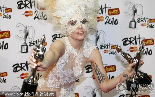2010全英音乐奖揭晓 Lady Gaga揽三项大奖(图)