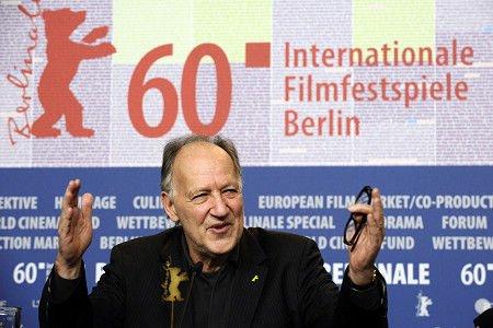 柏林电影节评委会主席避谈张艺谋猛夸中国电影