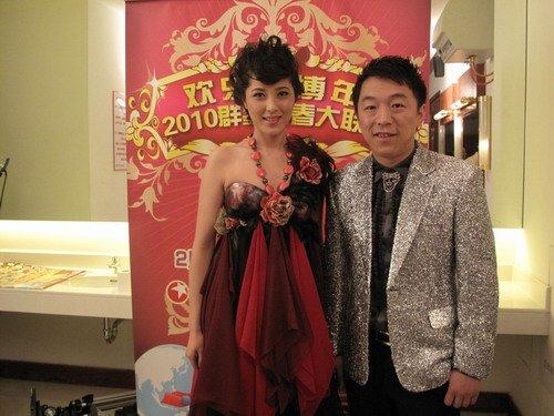 组图:曾黎黄渤春晚现场拼歌舞 新剧再回旧上海