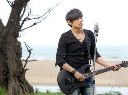 周杰伦成台湾歌手阔绰之冠 事业脚步不停歇