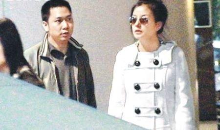 赵薇被爆嫁入豪门梦碎 怀胎七月生完立即复出