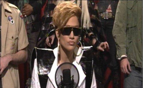 洛佩兹《周六夜现场》中模仿蕾哈娜极尽搞笑