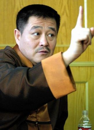 赵本山:非常感谢骂我的人 要用法律解决掌掴门