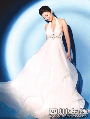 黄奕穿婚纱拍写真变妩媚新娘 对婚事三缄其口