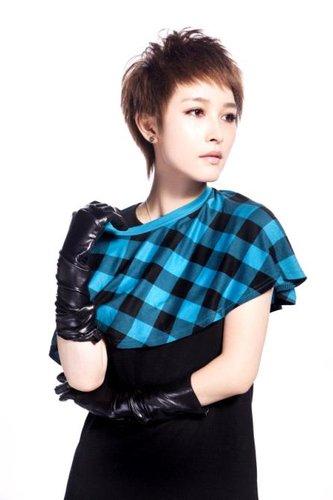 厉娜全新起航 新专辑第一波主打《忘》迷幻登场
