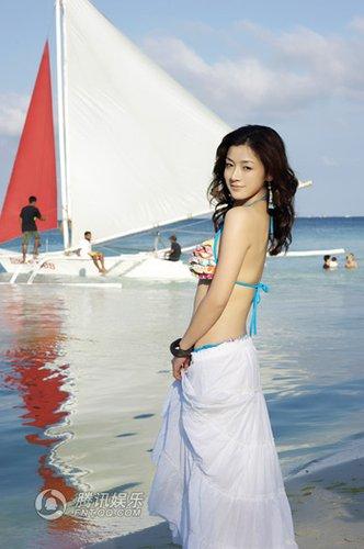 《仙剑3》何彦霓人气看涨 曝光海滩写真(组图)