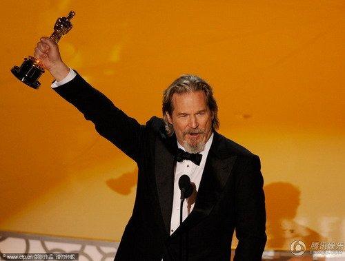 布里奇斯5获最佳提名 60岁终成奥斯卡影帝