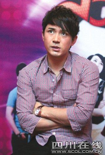快男阿穆隆被拘留 在杭州涉嫌醉驾肇事逃逸(图)