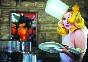 Lady Gaga新MV很黄很暴力 播放后却大获好评