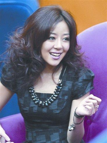 安又琪否认赴韩整容 不批天娱感谢恩师孟庭苇