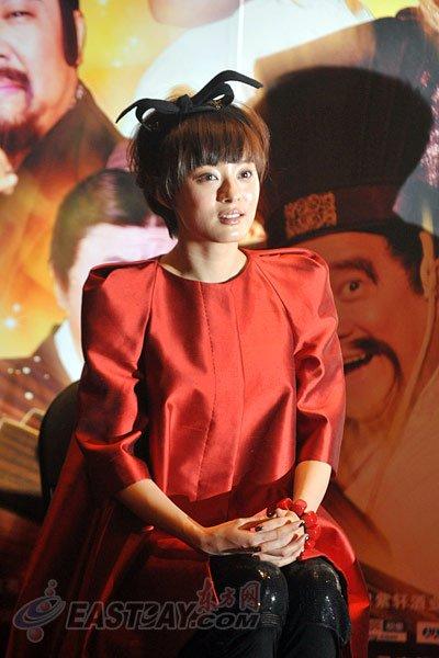 孙俪在沪宣传《越光宝盒》 着装特别拒谈婚事