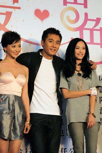 姚晨将时尚过瘾到底 携手刘烨描绘《爱出色》