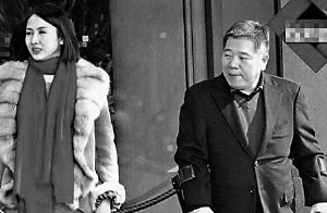 """大肚黎姿与老公游东京 与香港记者玩""""捉迷藏"""""""