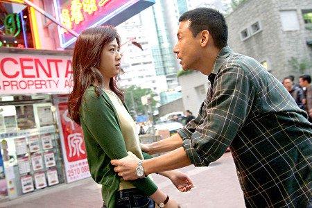 """香港电影节开幕 汤唯携《月满轩尼诗》""""回归"""""""