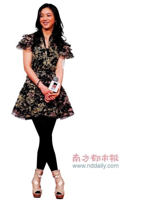 《月满轩尼诗》开幕香港电影节 汤唯惊艳登场