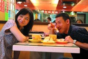 《月满轩尼诗》香港试映 汤唯载着满堂喝彩归来