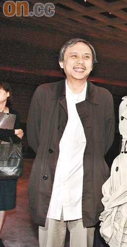 主席陈嘉上宣布香港电影金像奖收益倍增(图)