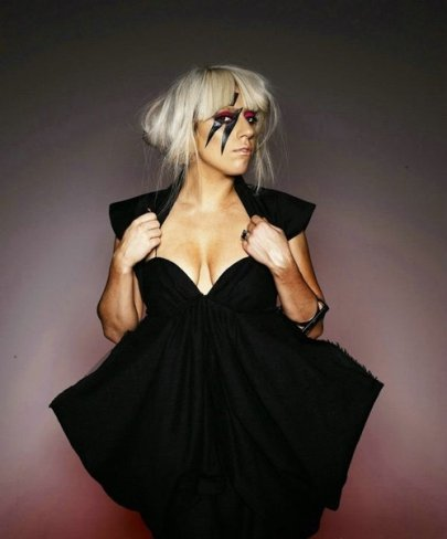 Lady Gaga10亿点击率称霸网络 击败苏珊大妈