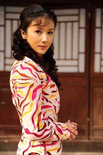 孙菲菲《内线》中受好评 双面娇娃演绎美艳特工
