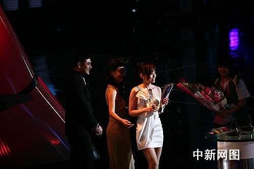 华语榜中榜颁出48项大奖 张惠妹成最大赢家(图)