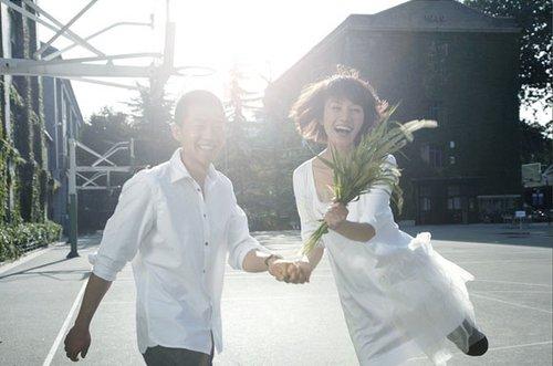 袁泉31日平安产女 夏雨荣升父亲称宝宝很健康