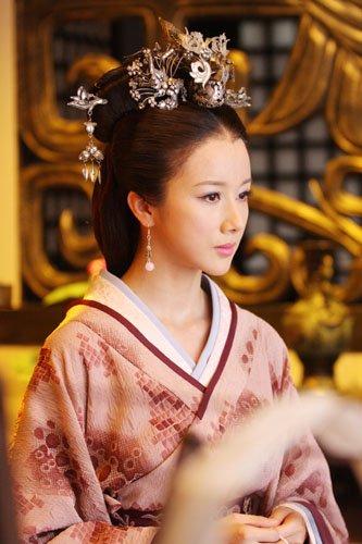 《内线》夺冠《美人》热播 孙菲菲成收视福将