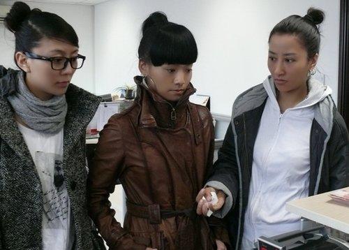 阿佳组合号召藏族朋友 第一时间为青海灾区捐款