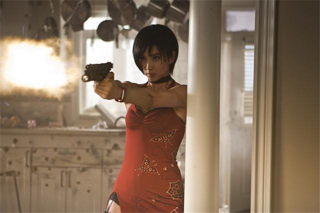李冰冰在《生化危机5》只是短暂露脸,终究难逃酱油命。