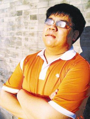 歌手杨光带病坚持真唱 展示真实音乐真我风采