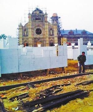 《金陵十三钗》10日开机 张艺谋砸千万建教堂(图)