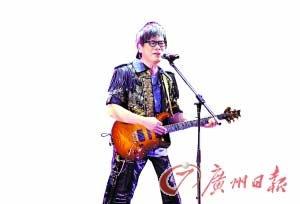 罗大佑北京首体开唱 重新编排演绎经典金曲