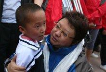 韩红领养一名藏族儿童