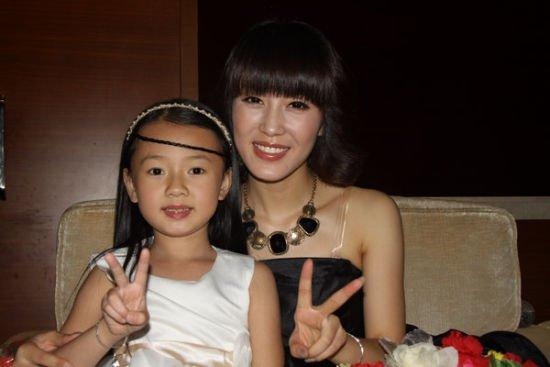 与胡扬琳唱《最好的未来》