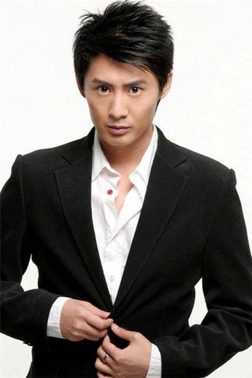 张帅加盟《红墙绿瓦》 与李成儒首度合作感触多