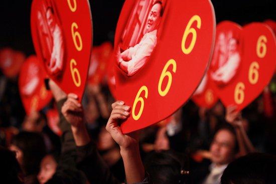 """《东成西就2011》热映 贺岁档怪现象之三""""骂"""""""