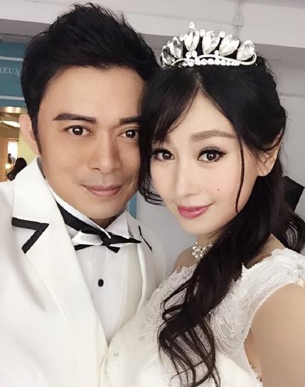 樊少皇晒与贾晓晨合影 结婚了 请祝福我们吧