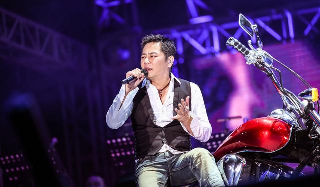 王杰北京演唱会8.8五棵松开唱 经典弹唱彩排抢先看