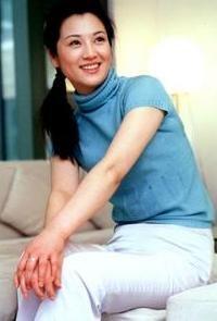 揭秘电影频道第一代女主播:王欢丈夫是警长