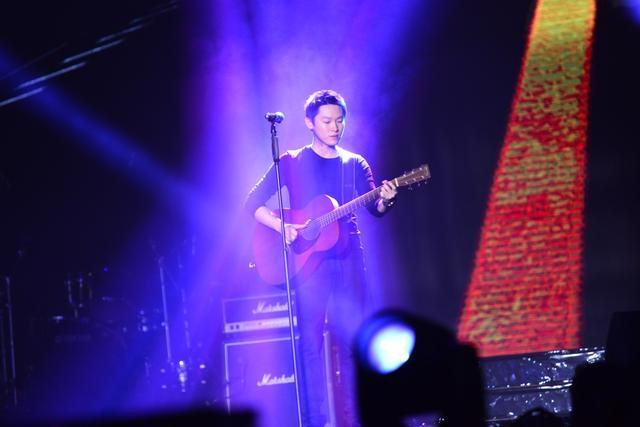 """乐坛""""新声""""巡礼 新星集体亮嗓QQ音乐年度盛典"""