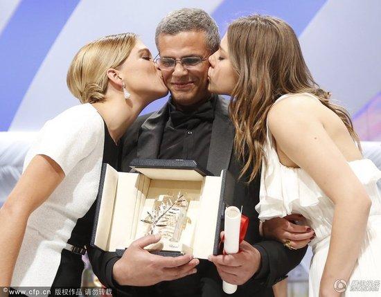 戛纳电影节闭幕 贾樟柯首获大奖《阿黛尔》获金棕榈