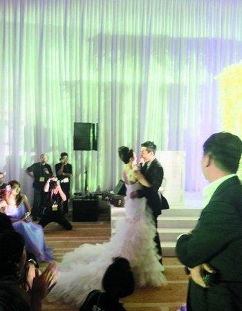 """大S婚礼被台媒称""""史上最诡异"""" 公关技巧逊色"""