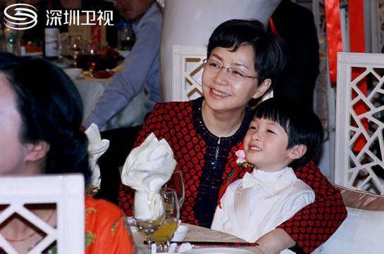 《我儿是朵奇葩》登深圳 宋丹丹:我非中年女神