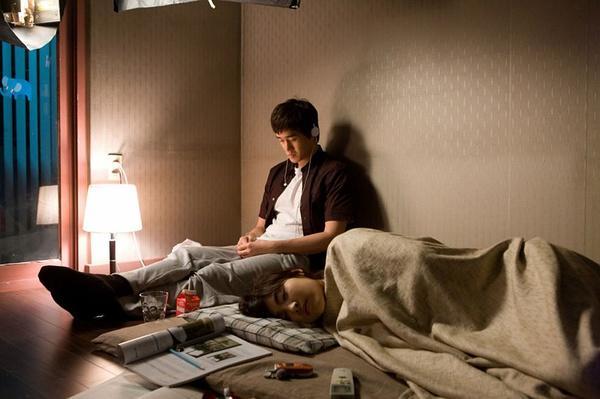 【午夜放映】《纯情漫画》:忘年恋也可以很纯情