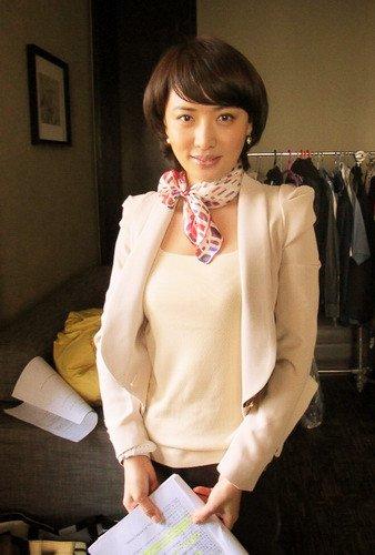 田子田拍《国门英雄》 一天发型换七次衣服十套