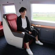 《大唐女巡按》将播 陈浩民搭乘高铁为剧做宣传