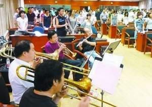 """""""我爱我唱""""在北京朝阳 专业老师现场指导排练"""