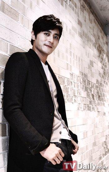 《绅士的品格》受期待 张东健:背负了不少压力